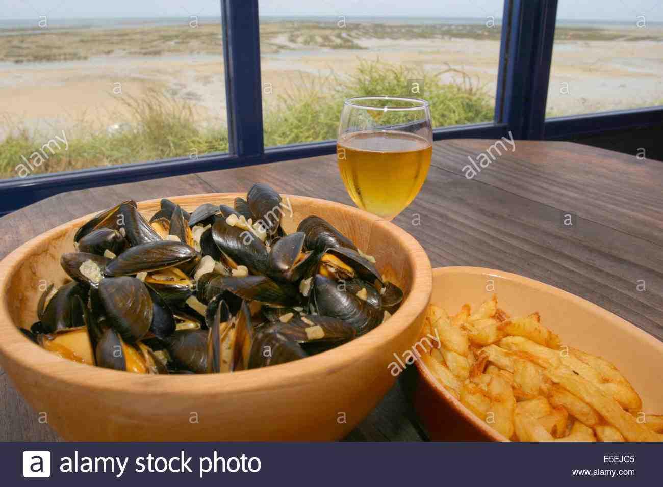 Où manger des massels et des frites à Honfleur?