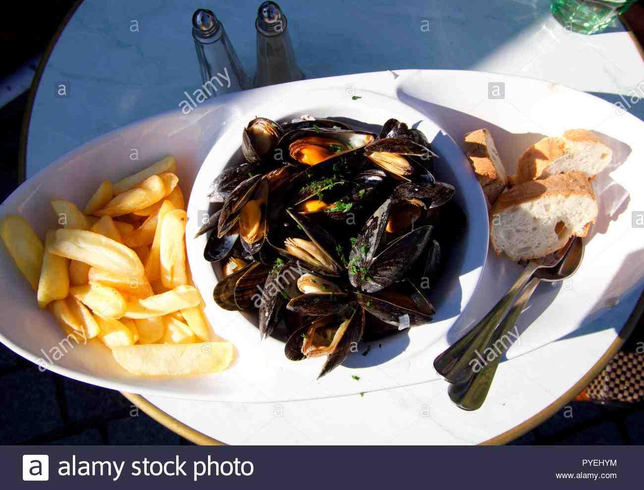 Où manger un bon plat de fruits de mer à Honfleur?