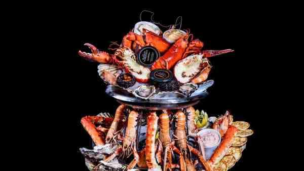 Où manger un bon plateau de fruits de mer à Honfleur?