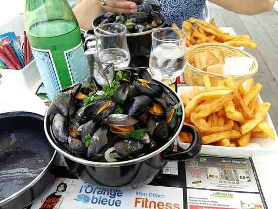 Pouvez-vous manger des moules et des frites à Honfleur?