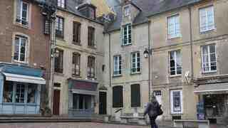 Où allez-vous vous promener à Bayeux?